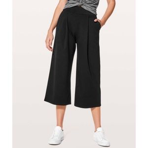 lululemon athletica Can You Feel The Pleat Crop